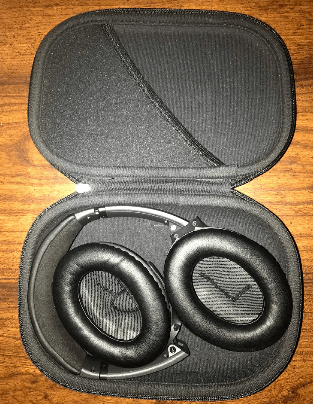 Bose-Quietcomfort-25-vs-35-traveling case.png